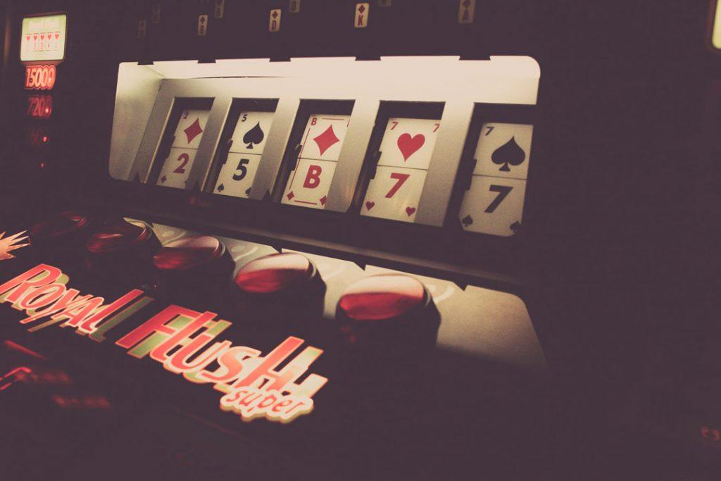 Royal-Flush-Best-Popular-Slots